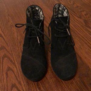 Toms black wedge/bootie